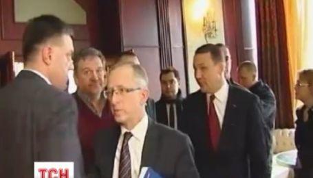 Сикорский объяснил перспективы украинской оппозиции