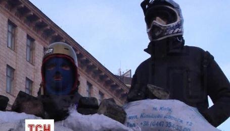 На Грушевського посилили охорону барикад