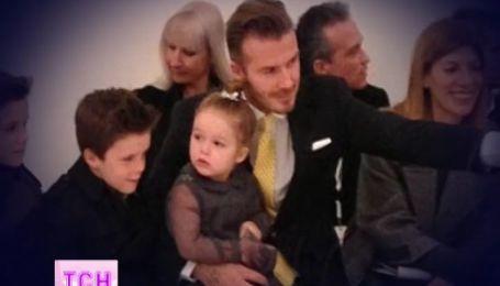 Дэвид Бекхэм с детьми поддержал жену на Нью-Йоркской неделе моды