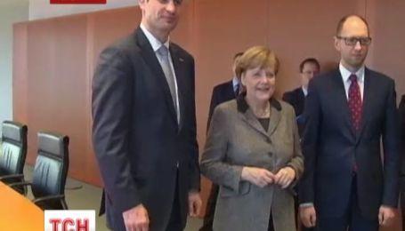 Меркель пообещала предоставить Украине большую финансовую помощь