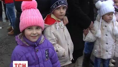 На Закарпатье крестьяне обещают обустроить детсады в приемных депутатов