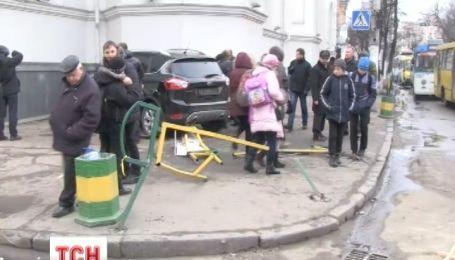 Житомирську церкву протаранив позашляховик