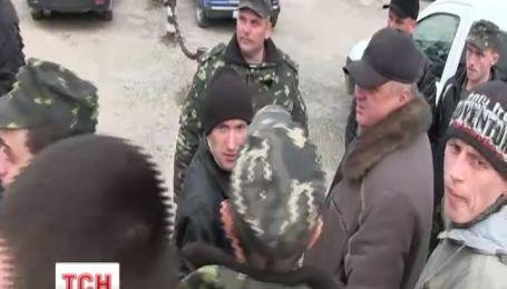 Россияне предлагают украинским военным предать родину за 4000 гривен