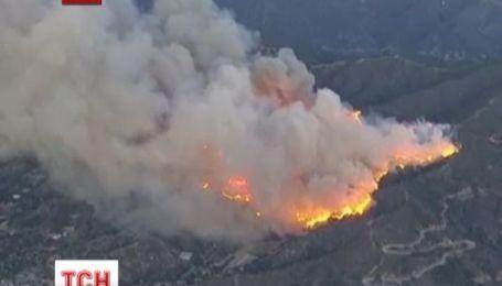 Огонь охватил национальный парк Лос-Анджелеса