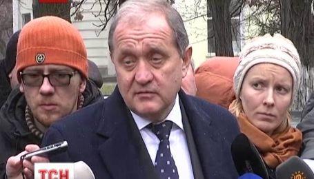 Кримський парламент захопили невідомі зі зброєю
