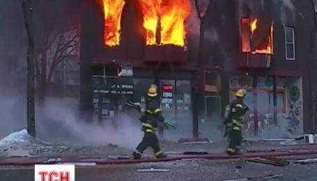 В США взорвался и загорелся жилой дом