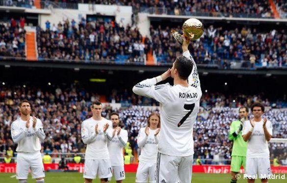 Кріштіану Роналду приніс Золотий м'яч на Сантьяго Бернабеу_6