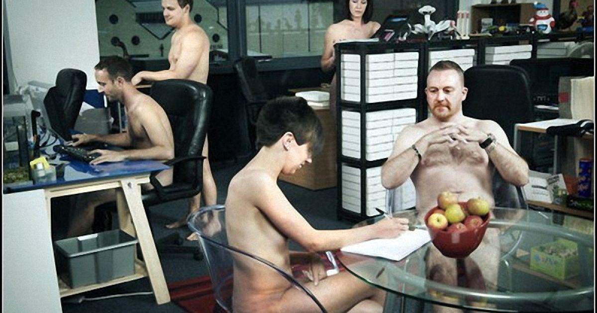 foto-golih-ofisah-lesbiyanki-s-dildo-v-analnom-porno