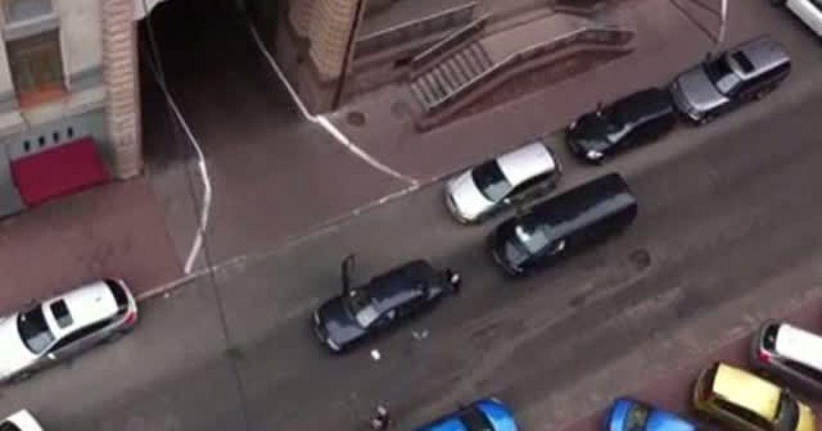 У Києві серед білого дня стався зухвалий напад