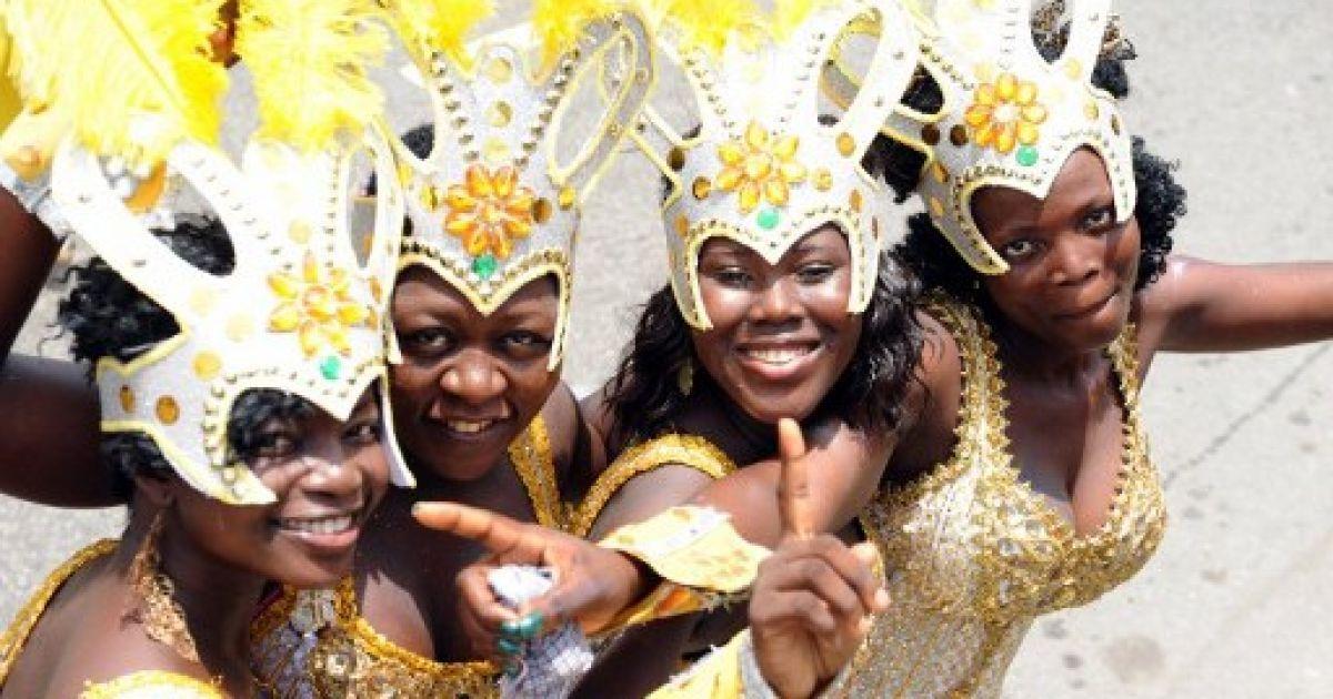 Нігерія, Лагос. Жінки беруть участь у щорічному карнавалі в Лагосі. @ AFP