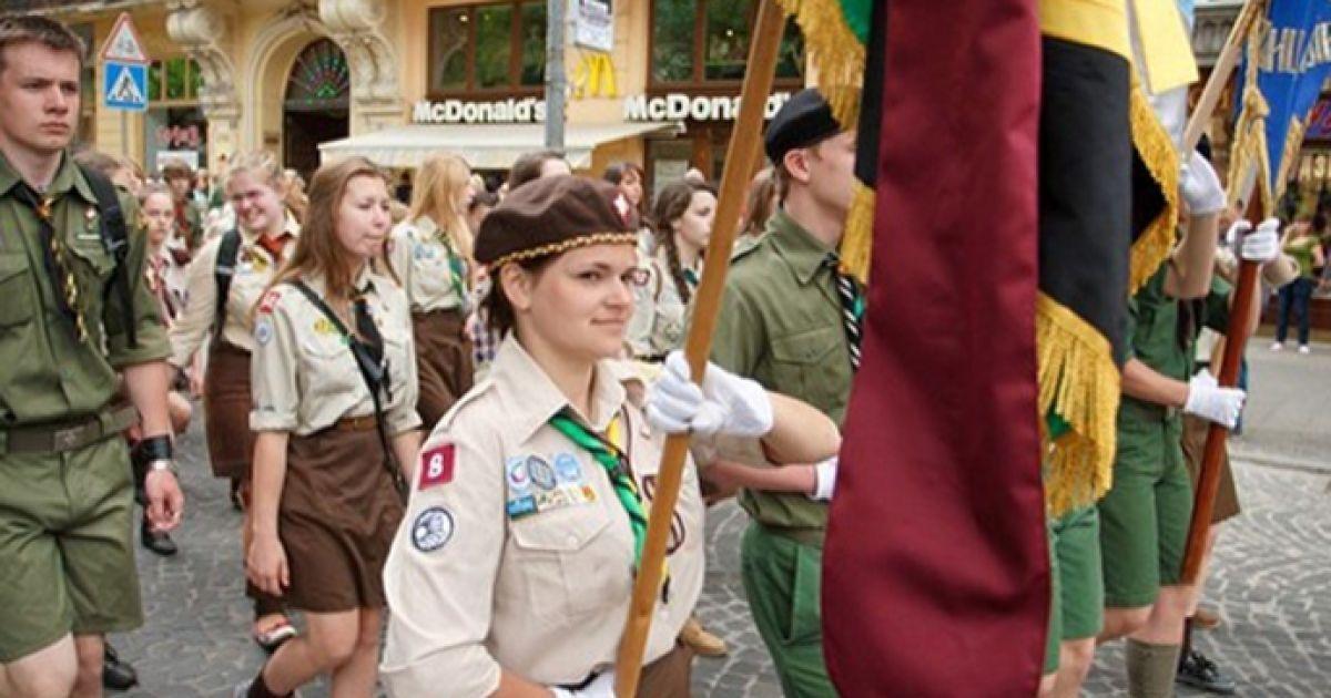 На день міста у Львові провели святковий парад