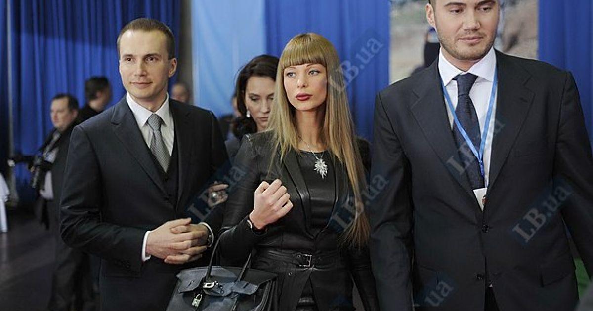 Олександр і Віктор Януковичи з дружинами Оленою та Ольгою @ LB.ua