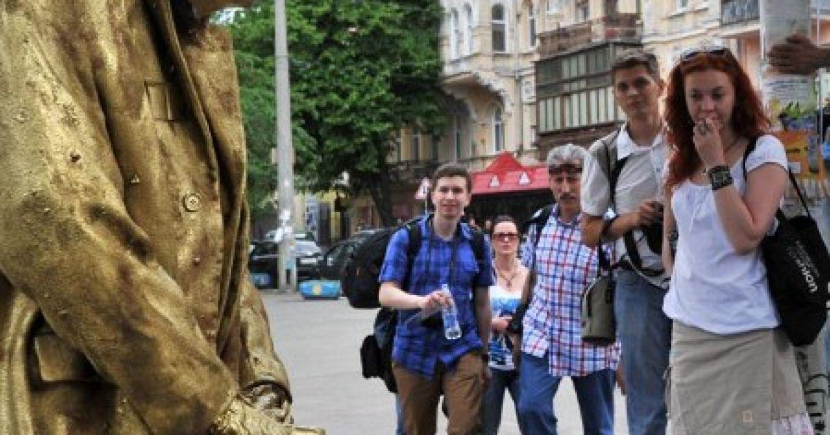 """Пам'ятник """"пісяючому Сталіну"""" у Києві (ФОТО: AFP)"""