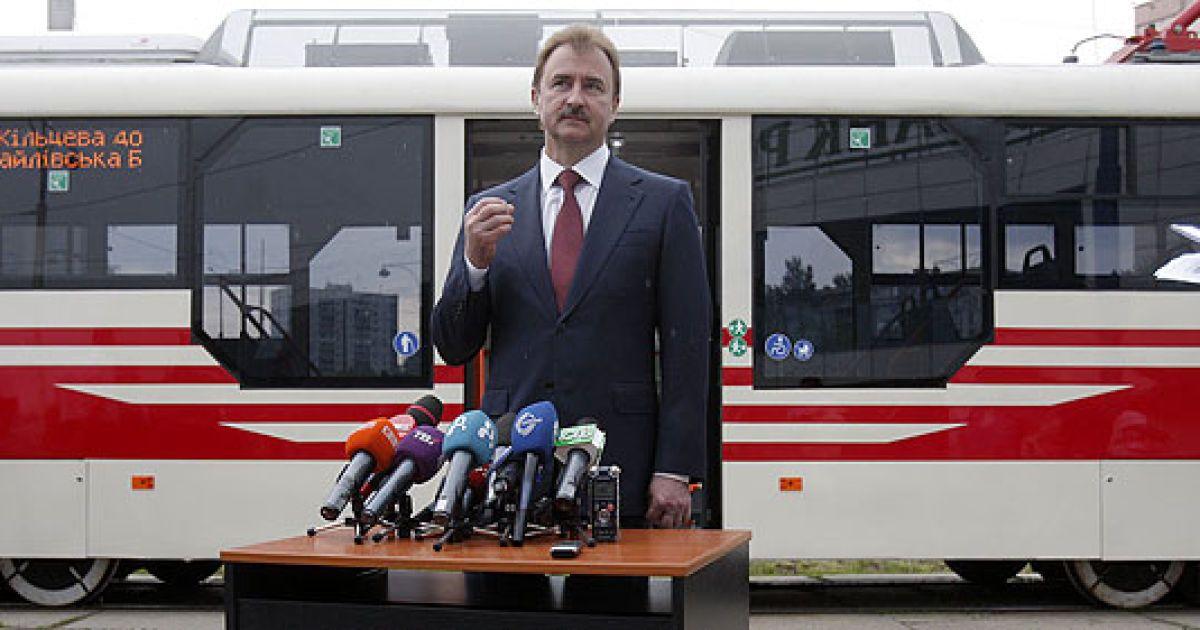 Попов презентував новий швидкісний трамвай @ КМДА