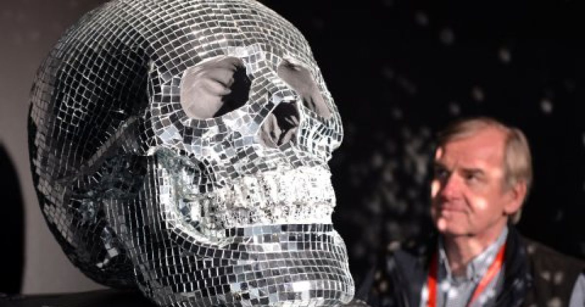 Фото голой девушки скелета, эротическое видео со звездами россии