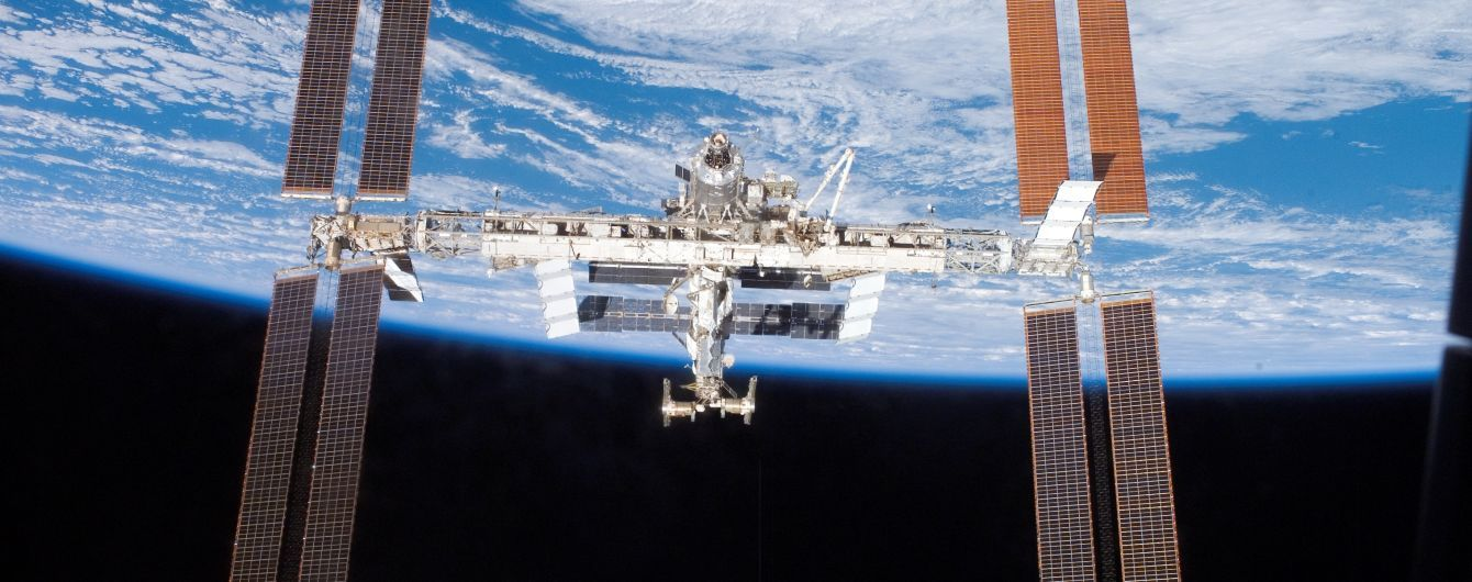 Вчені розповіли про мутації бактерій, які потрапили із Землі на МКС