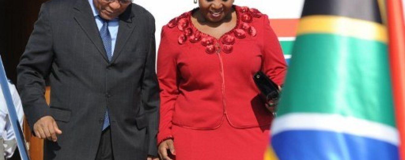 Президент ПАР пішов у відставку через корупційні скандали