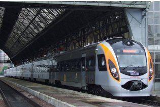 Суперпотяг Hyundai зупинився намертво під Полтавою