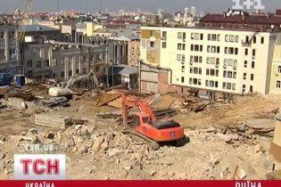 Ахметов восстановит разрушенные фасады на Андреевском спуске