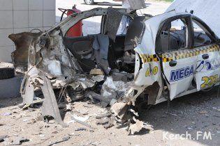 В Керчи на заправке взорвался автомобиль