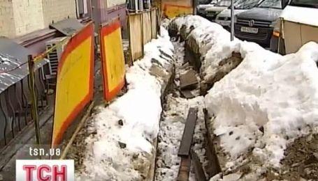 Ежедневно подвергаются опасности жители улицы Воровского в Киеве