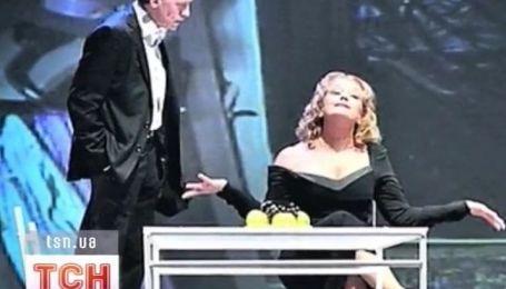 Полтора часа со сломанной ногой играла на сцене российская актриса Ирина Алферова