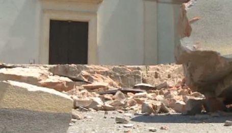 Після чергового землетрусу в Італії люди живуть на вулицях