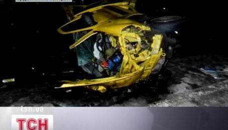 Три человека погибли, еще шестеро получили травмы в аварии на Харьковщине
