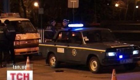 В Луганске внедорожник на переходе сбил беременную женщину и мальчика