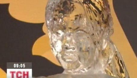 В музее восковых фигур в Лондоне установили ледяную скульптуру