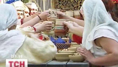 """В парке """"Киевская Русь"""" реконструировали гуляния 9-12 века"""