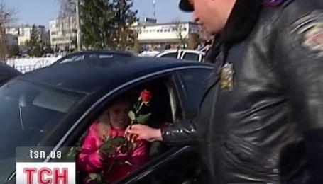В Украине милиция в этот день была целиком на стороне женщин