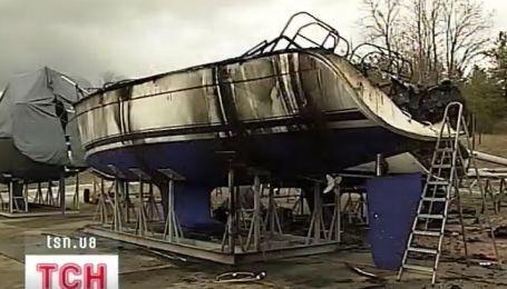 Под Киевом сгорело около пяти миллионов гривен