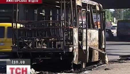 В Киеве маршрутка с пассажирами загорелась на полном ходу