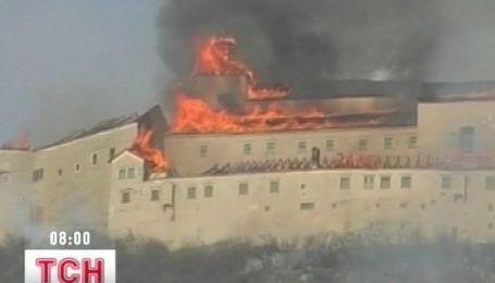 В Словакии сгорел замок