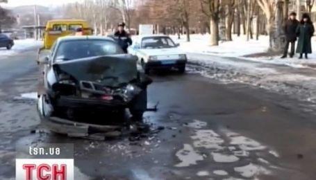 У Запоріжжі п'яний таксист протаранив пасажирський автобус