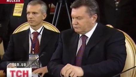 Янукович поехал на два дня в Москву