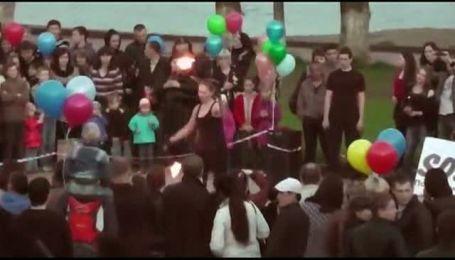 Учасниця фаєр-шоу спалила собі обличчя