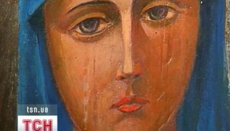В Прикарпатье замироточила икона Божией Матери