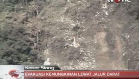 Спасатели добрались к месту катастрофы лайнера SuperJet-100