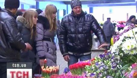 В Украине цветочный ажиотаж