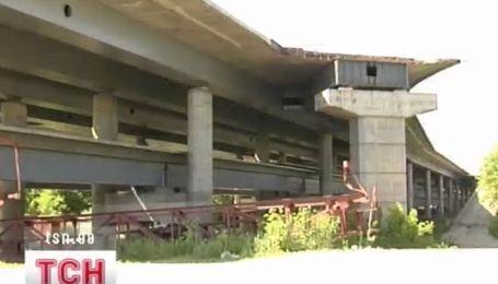 Подольско-Воскресенский мост в Киеве движется вперед
