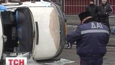 Маршрутка с пассажирами протаранила сразу два грузовика