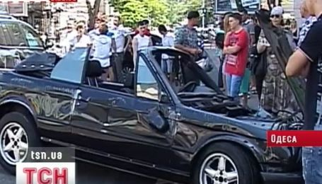 Два человека пострадали в масштабной аварии в центре города Одессы