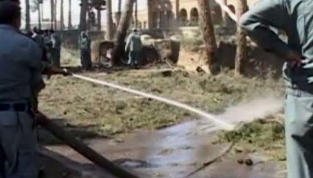 Афганский смертник взорвал очередь людей