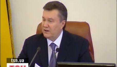 Янукович два роки не виїжджав із закордону, шукаючи ринки збуту