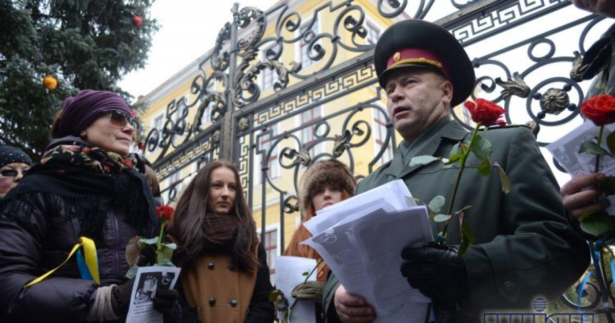 Жінки привітали військових з Днем збройних сил @ gbgalsgallery.com
