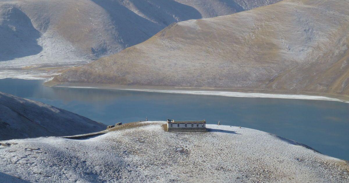 Озеро Ямдрок Цо – одно из 4 священных озер Тибета