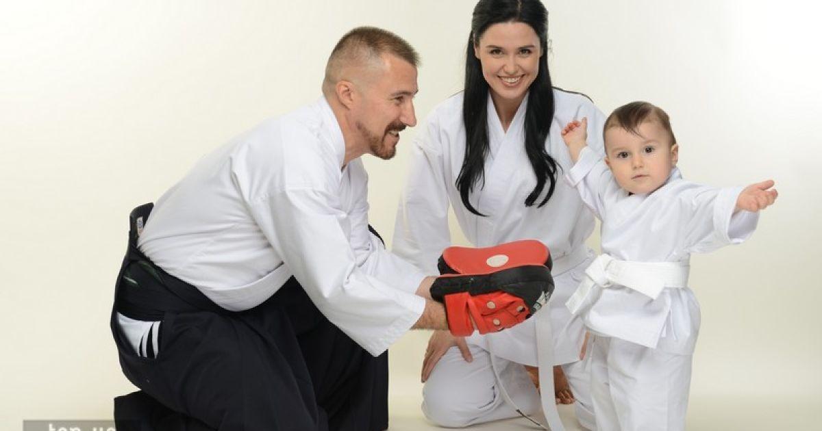 """Людмила Барбир с семьей для журнала """"Мама и я"""" @ wgntv"""