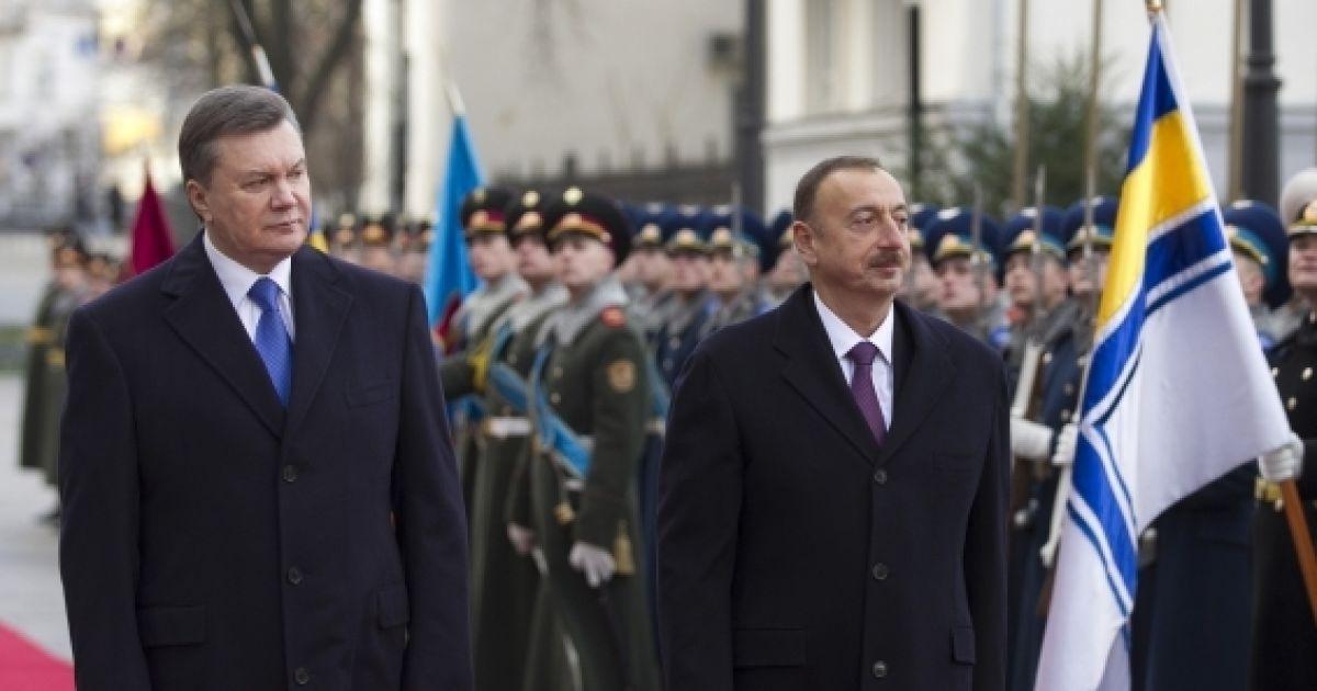 Янукович і Алієв випадково стали свідками хвацького трюку @ president.gov.ua